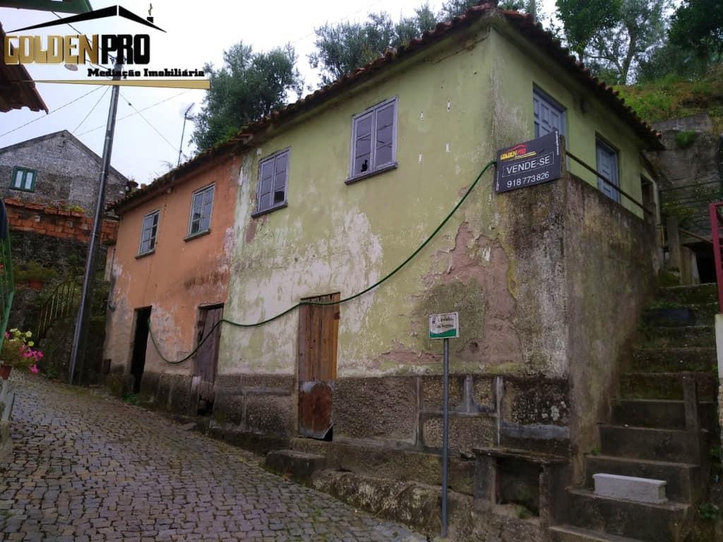 Moradias para restauro – Vila Chã do Marão, Amarante