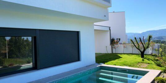 Moradia T3 com Piscina, Campo de Golfe – Amarante